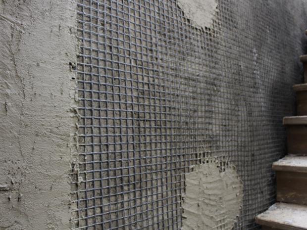 Aplicação S&P ARMO.crete® sobre a malha de fibra de carbono S&P ARMO.mesh® em edifício históricos.