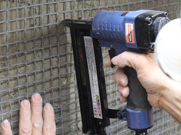 Fixação da malha de fibra de carbono Armo-mesh®
